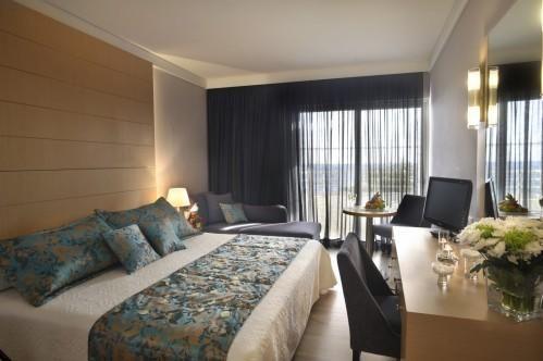 Louis Ledra Beach Hotel – Стандартный Семейный Номер С Видом На Территорию Отеля