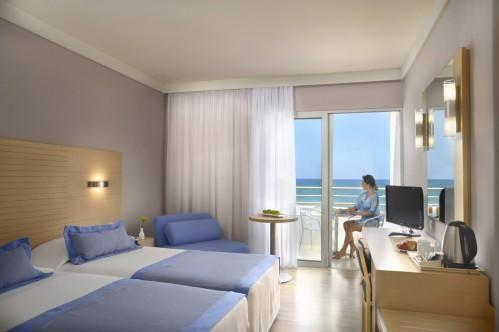 Louis Ledra Beach Hotel – Двуспальный Номер С Видом На Территорию Отеля
