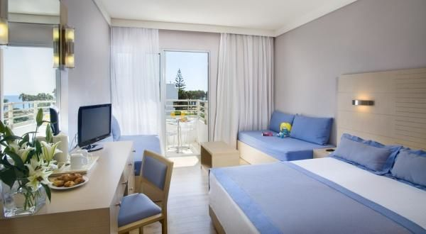 Louis Ledra Beach Hotel – Standard Family Room Inland View